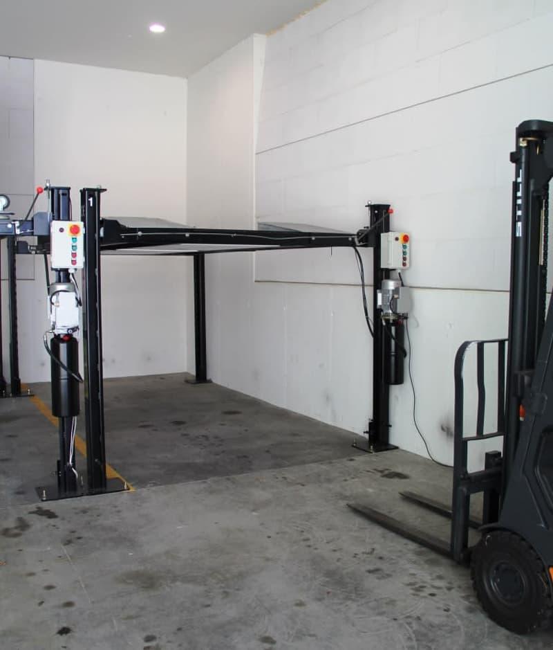 Parkplätze in Halle inkl. Parklift in der Industrie Otelfingen zu vermieten