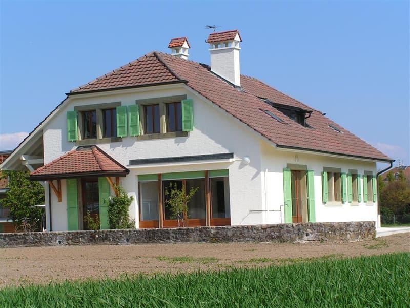 Belle villa de 7 pièces au calme à la campagne