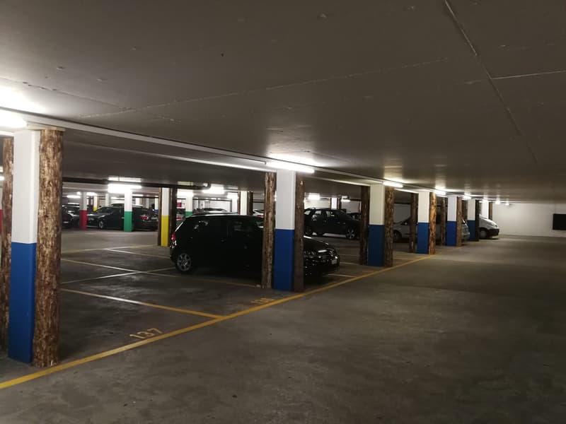 Mehrere Parkplätze im Telli zu super Konditionen