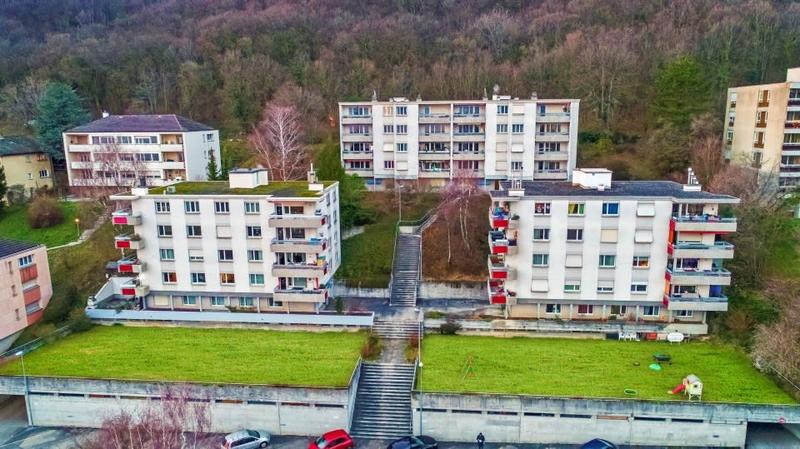 20 appartements avec 30 garages et 7 places de parc/ Rendement de 4.67% net