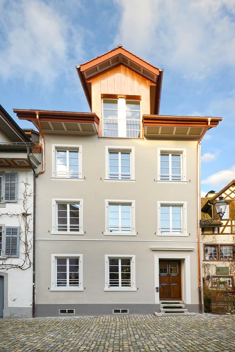 Erstbezung nach Renovation einzigartige 3.5 Zimmer Dach Maisonette Altstadtwohnung (1)