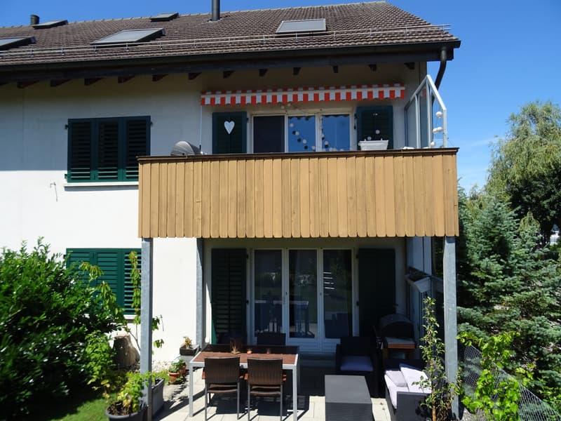 Preisgünstige 3 1/2 Zimmer-Wohnung mit Balkon und Fernsicht