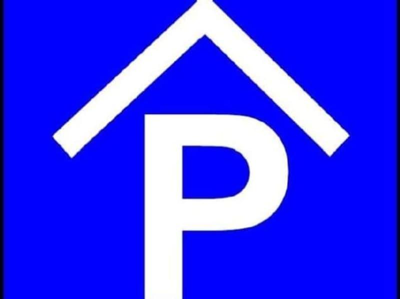 Parkmöglichkeiten in Tiefgarage od. im Freien