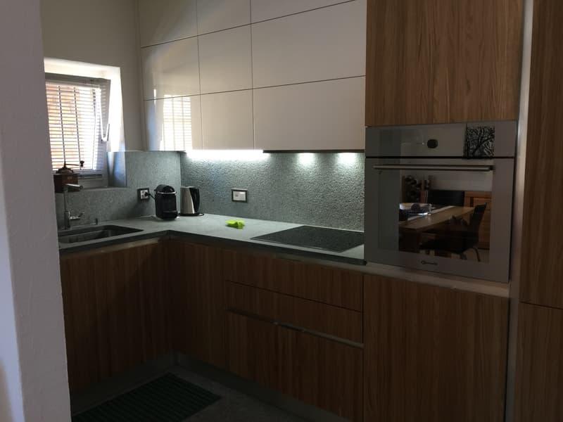 Frisch renovierte 2-Zimmer Wohnung mit Garten / Appartamento di 2 locali rinnovato con giardino