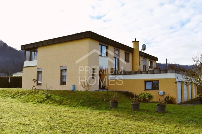 Schönes Doppeleinfamilienhaus mit unverbaubarem Blick ins Grüne