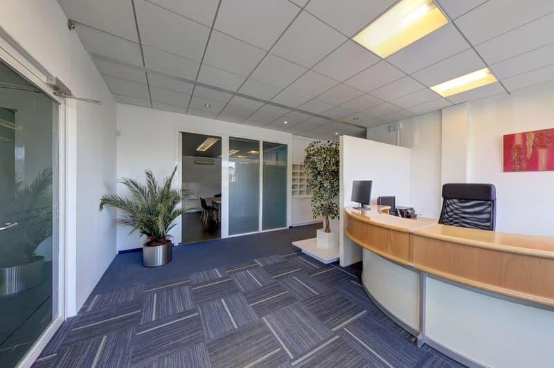 Atelier/Bureau de 207 m2 en parfait état En zone industrielle