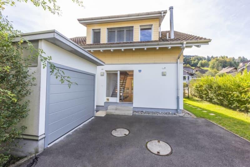 5.5-Zimmer-Einfamilienhaus mit Studio - idyllisch gelegen mit privatem Seezugang in Wilbrunnen (2)
