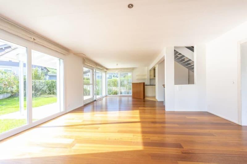 5.5-Zimmer-Einfamilienhaus mit Studio - idyllisch gelegen mit privatem Seezugang in Wilbrunnen (4)