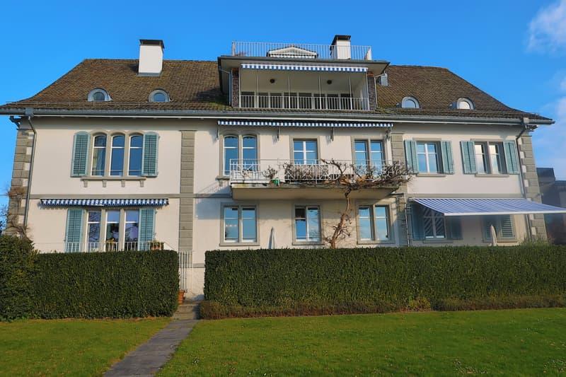 Repräsentatives Wohnen direkt am Zürichsee
