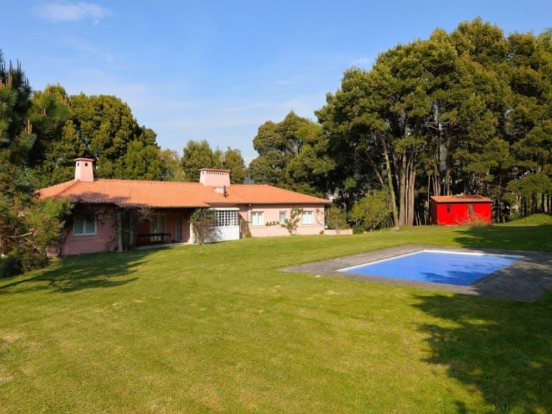 A vendre Quintinha à Moledo, avec 6 chambres, implanté dans un terrain d'une superficie totale de 5740m2