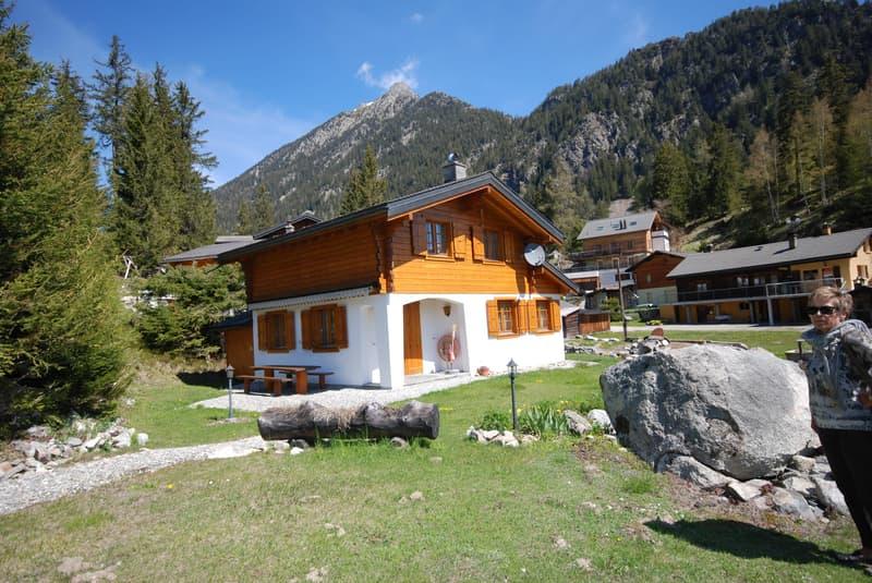Ferienhaus (Chalet) in unmittelbarer See Nähe zu verkaufen (1)