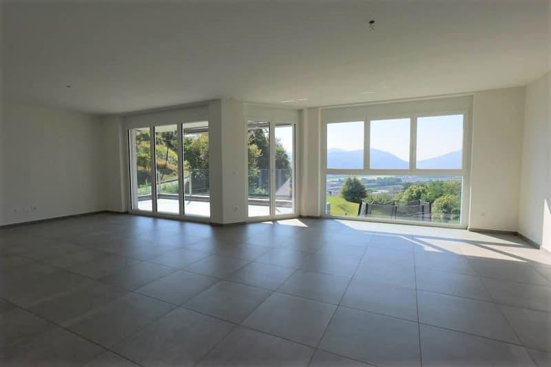 Spazioso e luminoso appartamento a Bioggio con vista in palazzina e zona tranquille