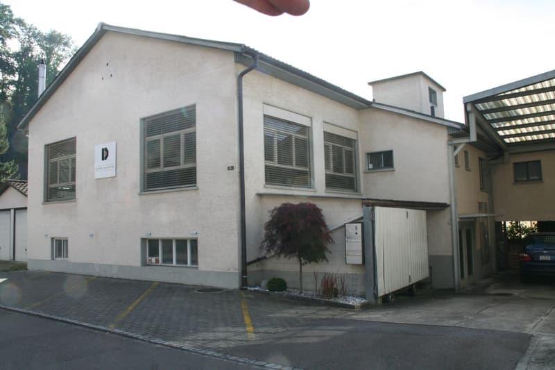 Gewerbehaus mit verschiedenen Nutzungsmöglichkeiten auf 2 Etagen.