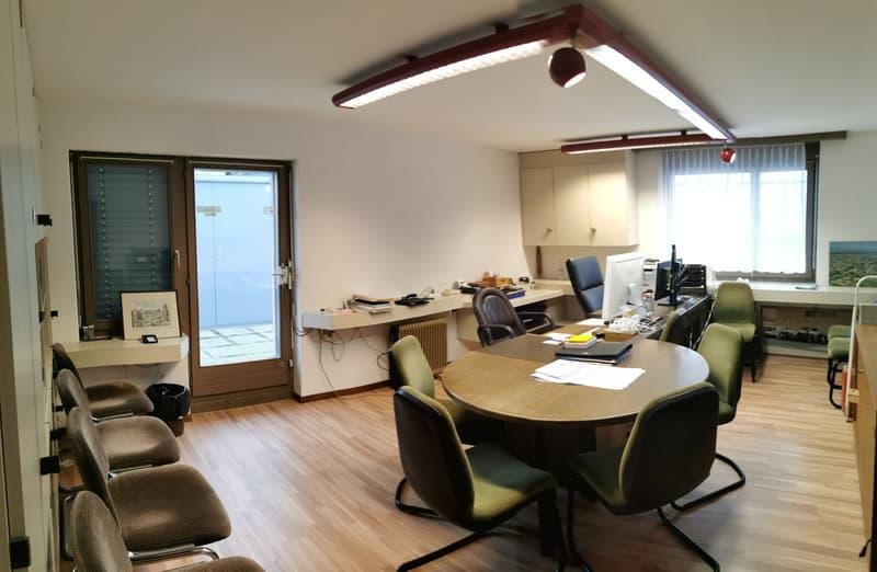 Helle Büros zu vermieten