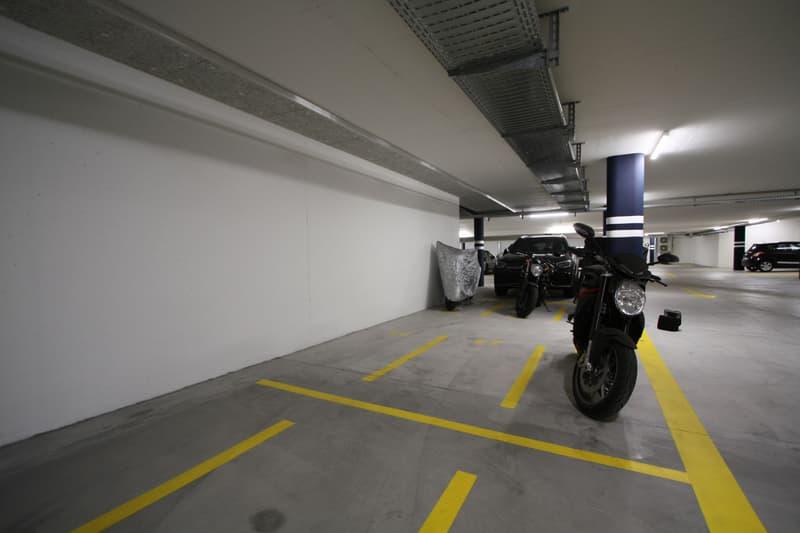 Motorrad-Parkplatz in Winterthur Hegi zu verkaufen