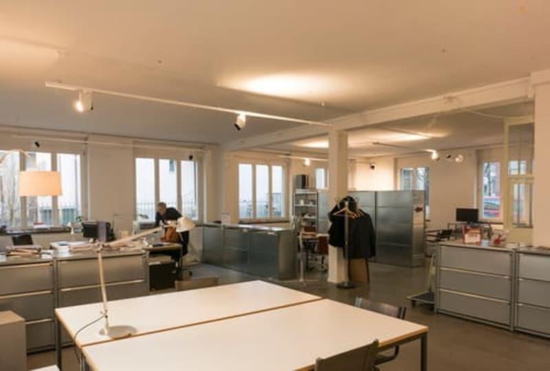 Ein oder mehrere Arbeitsplätze in Atelier-Gemeinschaft am Idaplatz