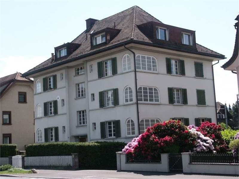 Sonnige 3.5 Wohnung mit See- und Alpenblick