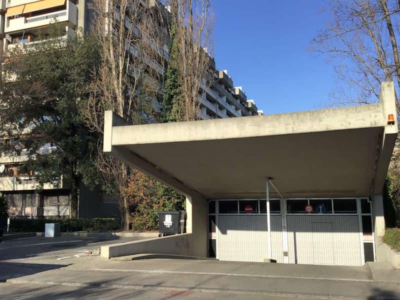 Parking intérieur N°22-33