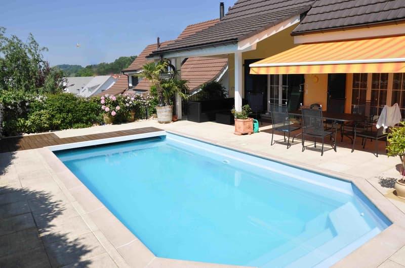 5.5 Zimmer Landhaus mit Pool, 240 m2 NF