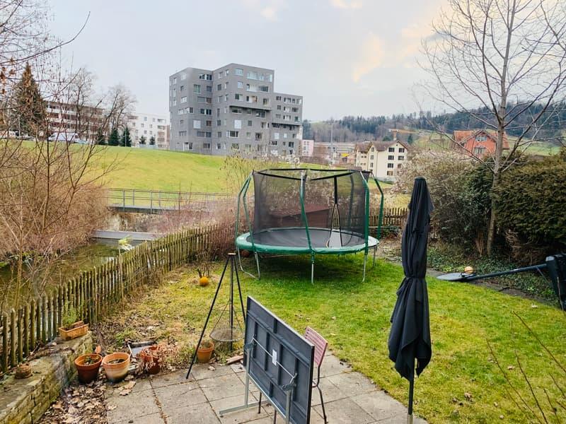 Heller Loft an ruhiger, sonniger Lage mit eigenem Garten