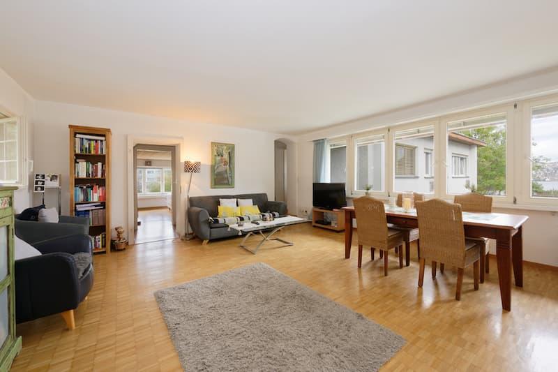 Ein 3.5-Zimmer-Bijou mit Seeblick an ausgezeichneter Lage