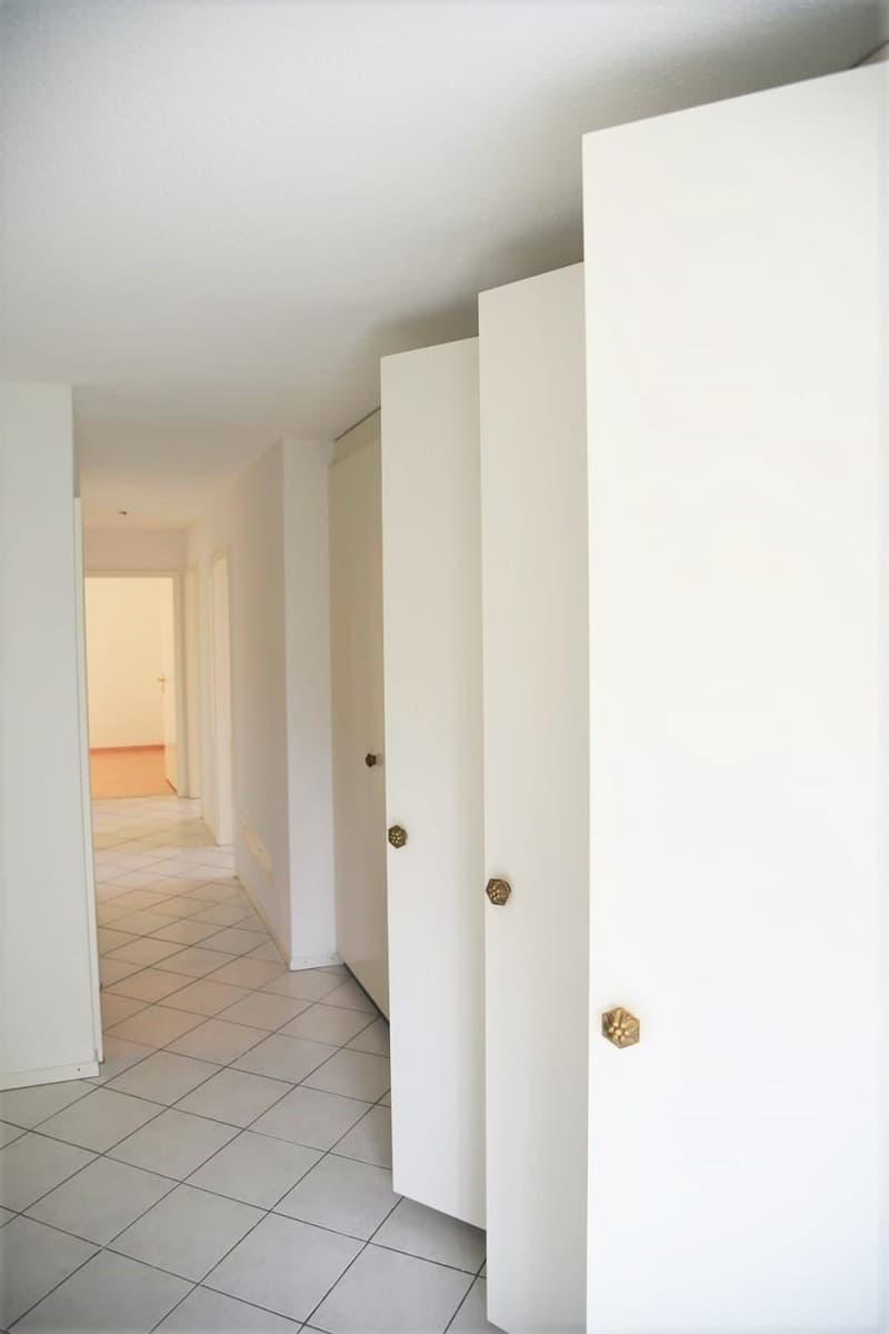 schöne grosszügige 4,5-Zimmerwohnung an ruhiger Lage (4)