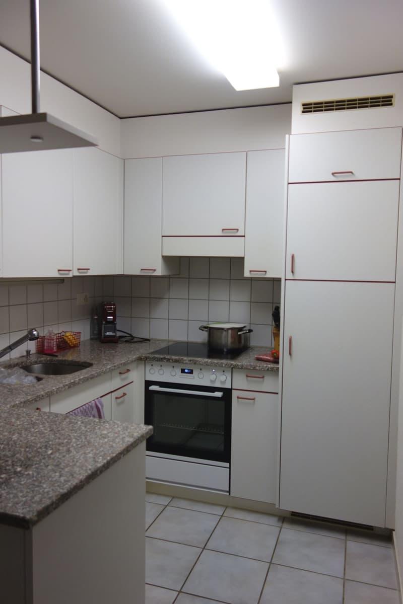 Preiswerte 4.5 Zimmerwohnung mit Aussicht auf die Glarner Berge