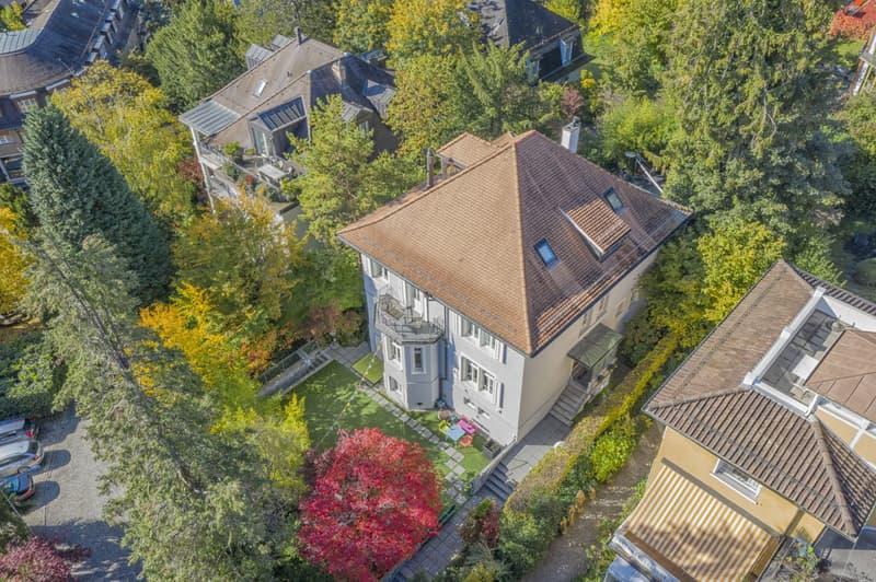 Exklusive Villa an erstklassiger und sonniger Lage am Zürichberg