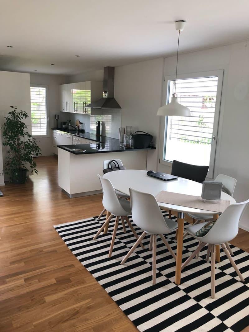 Moderne Wohnung mit tollem Sitzplatz!