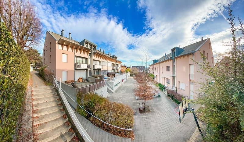 Charmant logement de 3 pièces avec balcon / 72 m2 / 1er (1)