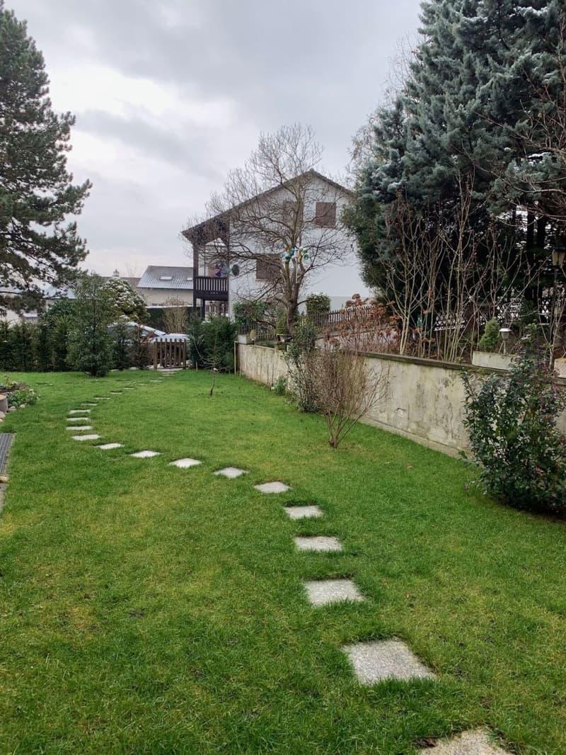 2.5 Zimmer mit Garten in WG zu vergeben