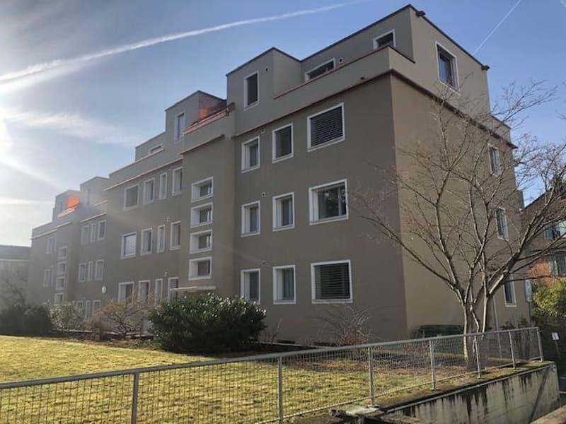 4-Zimmer-Wohnung mit grossem Balkon zu vermieten!