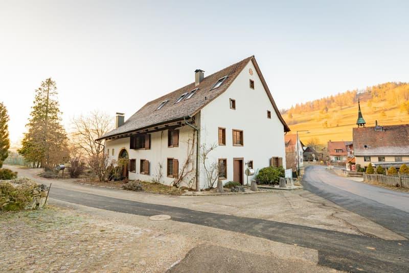 Wunderschöne 7.5-Zimmer-Wohnung im ehemaligen Zollhaus von Langenbruck - Auch geeignet für eine WG!