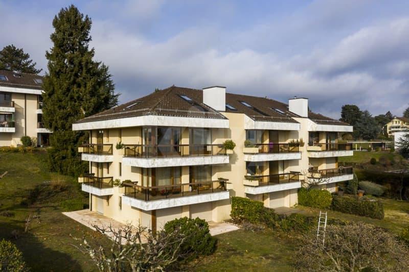 Duplex avec vue panoramique sur le lac Léman et les Alpes