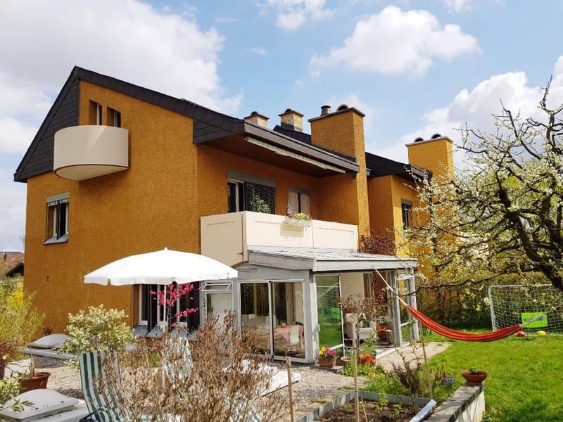 Haus Außenansicht mit Garten