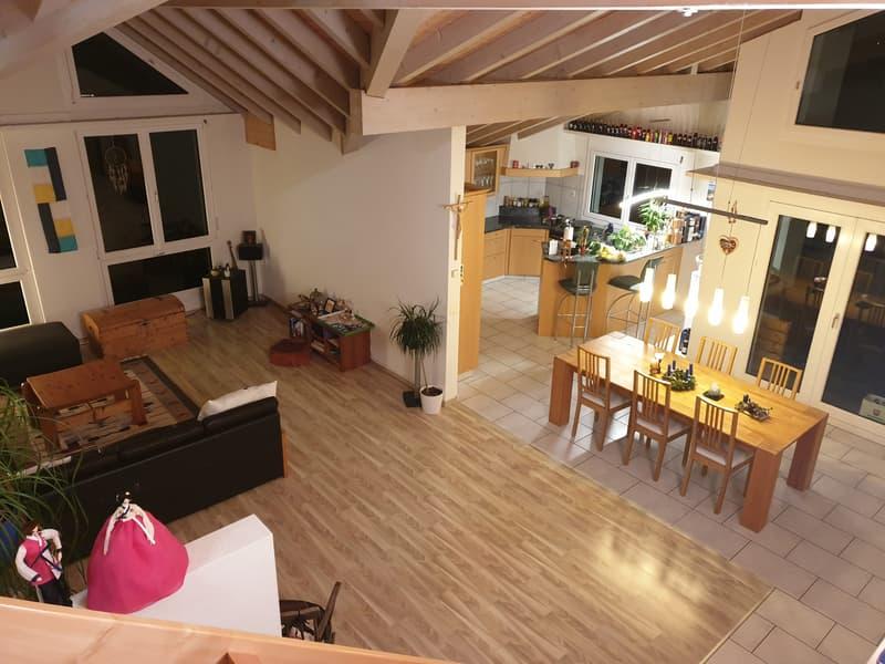 Wohnbereich mit Küche und Bar