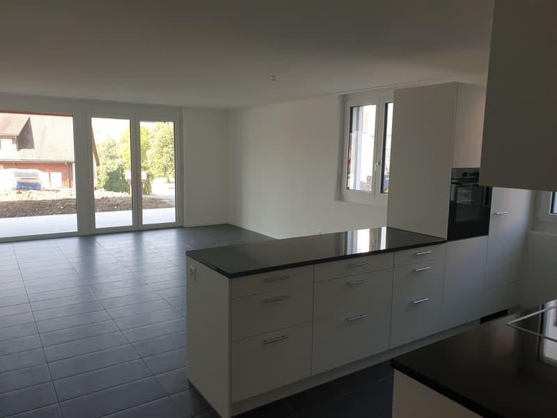 Neubau 4,5 Zimmer Wohnung in ländlicher Gegend (2)