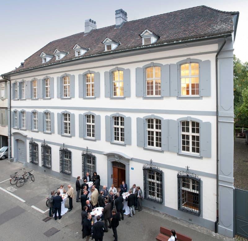 Repräsentative Büro- oder Praxisräume in Basler Stadtpalais