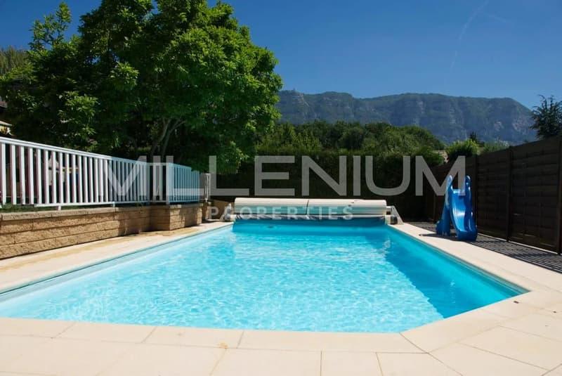 Belle villa 6P avec piscine à Vessy