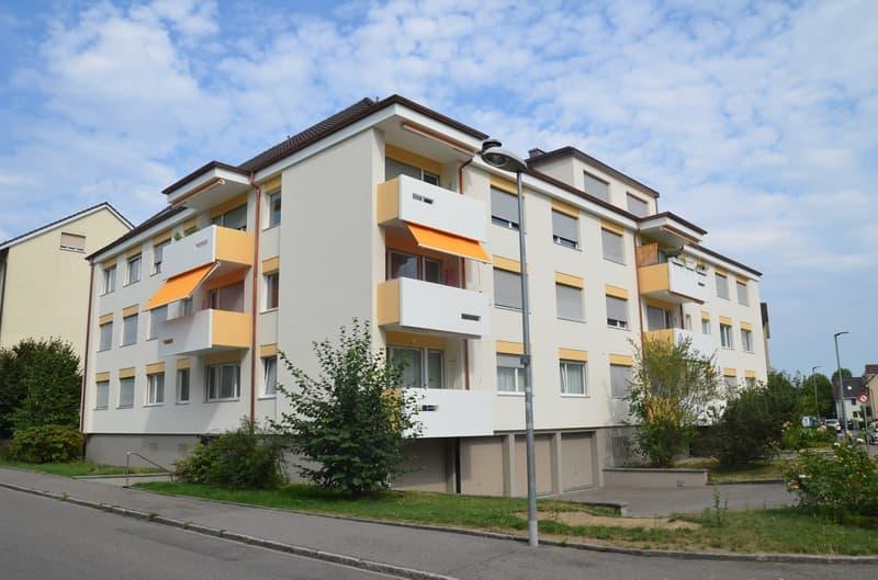 helle 3 Zimmerwohnung mit Balkon zum Garten