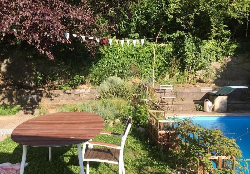 4.5-Zimmerwohnung mit Gartensitzplatz und Pool-Mitbenutzung