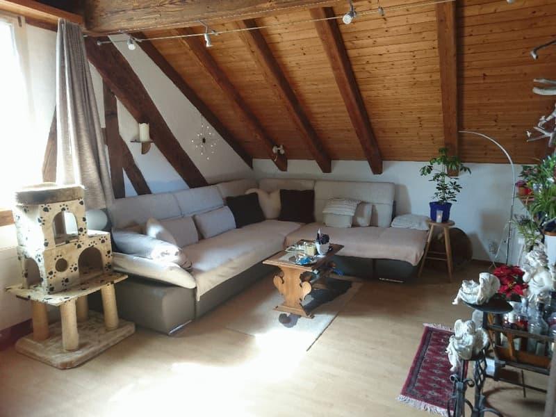 Wunderschöne 4.5 Zimmer Dachwohnung mit Galerie