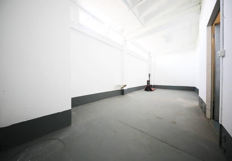 4 Locaux commerciaux et/ou industriels - Atelier stockage COPPET