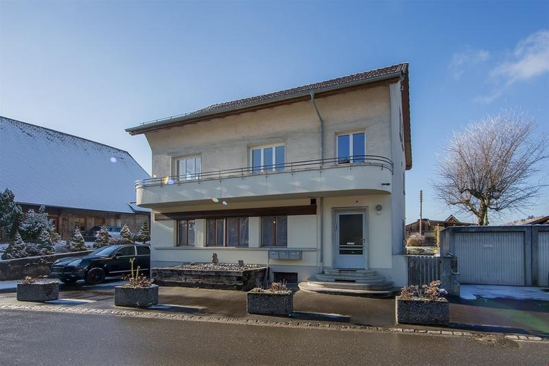 Schöne, helle und ländliche Wohnung im EG mit Hauswartamt