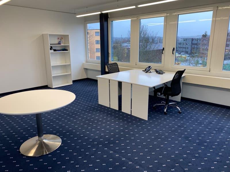 Schönes, möbiliertes Büro (32 m2) mit 2 PP zu vermieten - Neuwertige Möbel können übernommen werden