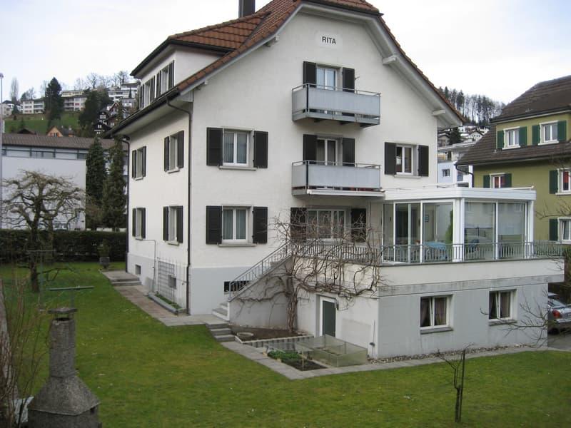 Helle 2,5-Zimmer-Wohnung mit Balkon