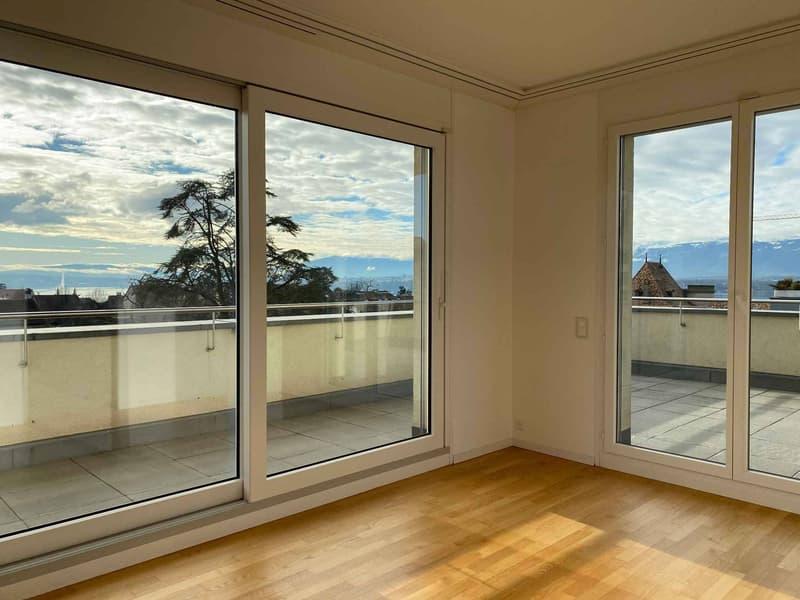 Attique avec terrasse et vue - Spacieux et lumineux