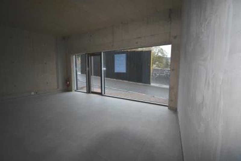 Surface commerciale neuve de 86 m2 au rez inférieur