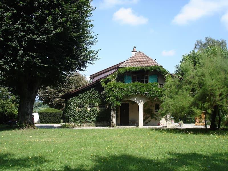 Villa bourgeoise sur terrain agricole
