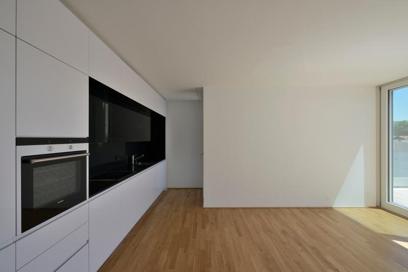 Spacieux logement de 5 pièces avec 2 terrasses / 2ème /158 m2 (2)